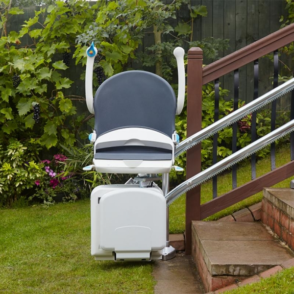2000 Outdoor Stairlift